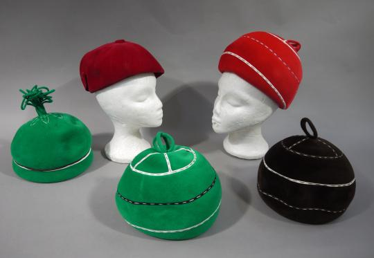 ab6c1199949 Four felt hats in green brown and red and a red velvet beret